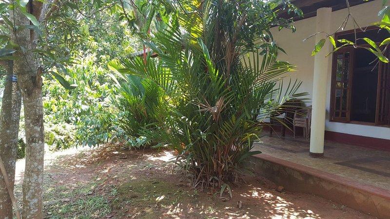 90m' Ferienhaus zu Vermieten, mit großer Terrasse in Beruwela Moragalla., Ferienwohnung in Moragalla