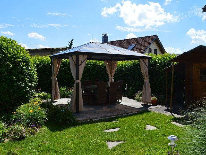 Ferienwohnung mit ca. 65qm, 2 Schlafzimmer, für maximal 4 Personen, holiday rental in Neuhausen am Rheinfall