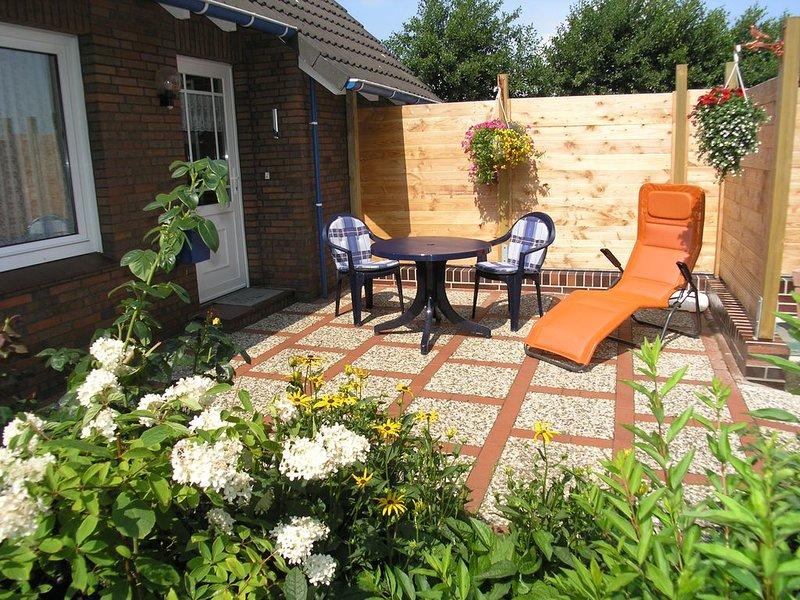 schöne, gemütliche und familienfreundliche Ferienwohnung mit großem Garten, holiday rental in Langeoog