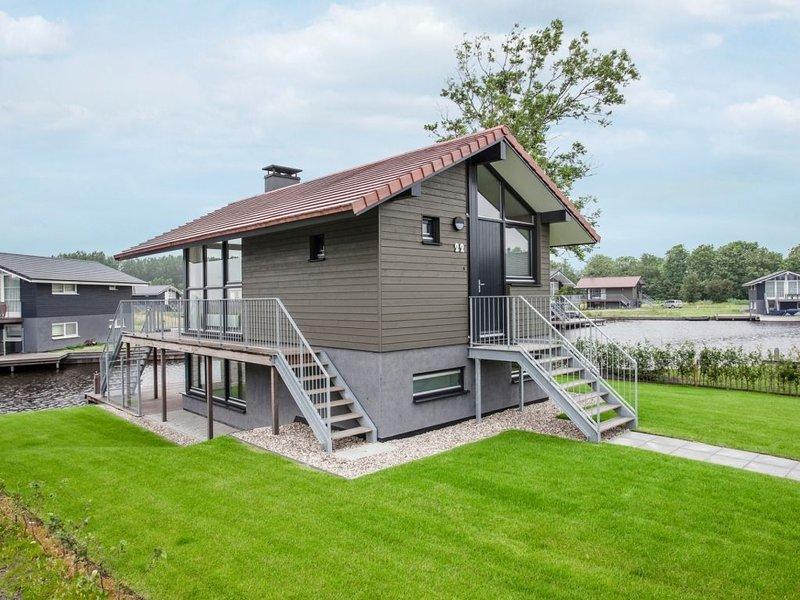 Komfort 4-6-Personen-Unterkunft im Ferienpark Landal Waterpark Sneekermeer, vacation rental in Oudehaske