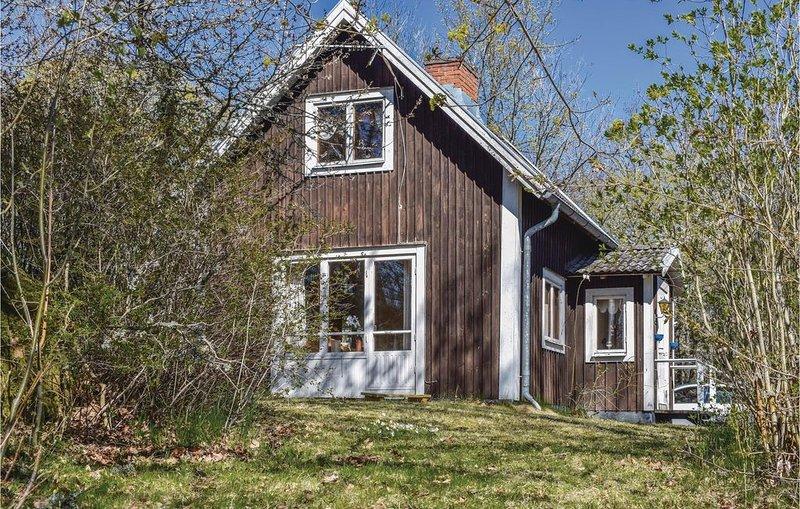2 Zimmer Unterkunft in Mönsterås, aluguéis de temporada em Monsteras
