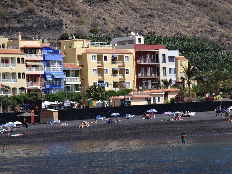 Ferienwohnung für 2 Personen direkt am Strand von Tazacorte, aluguéis de temporada em Tazacorte