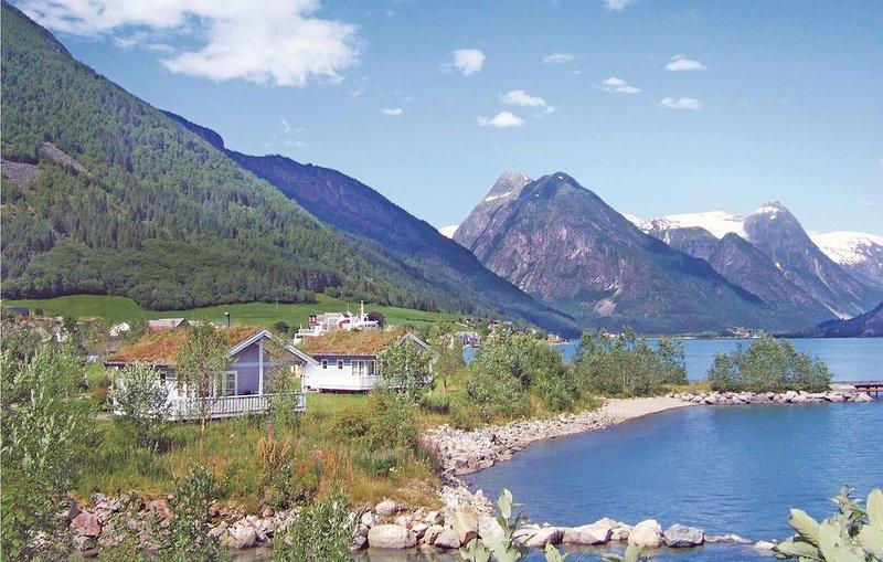 3 Zimmer Unterkunft in Fjærland, casa vacanza a Veitastrond