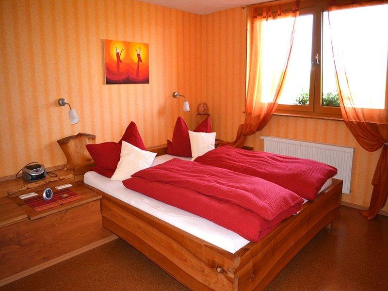 Ferienwohnung Zur Igelwiese, 75qm, 2 Schlafzimmer, max. 4 Personen (barrierefrei, location de vacances à Bad Saulgau