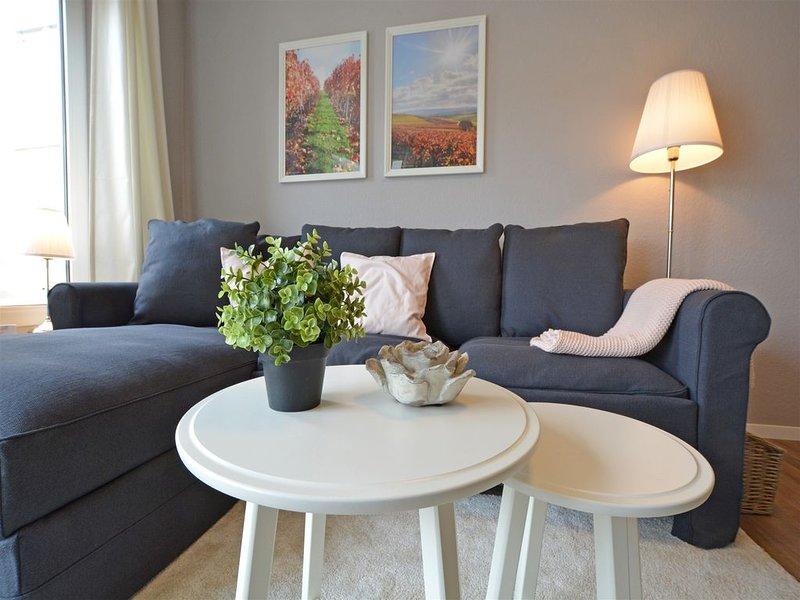 Ruhiges 2-Zimmer-Appartement im Kurgebiet - Balkon, WLAN, TV, innenstadtnah, Ferienwohnung in Grolsheim