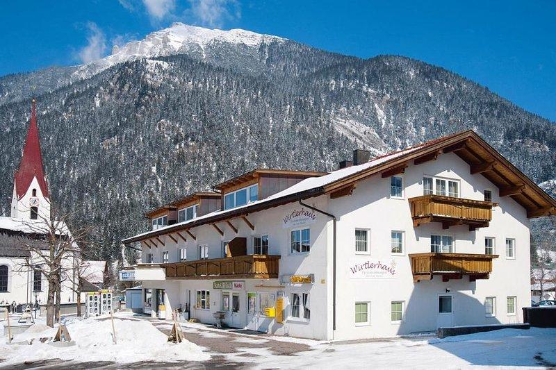 Ferienwohnungen Wirtlerhaus, Bichlbach, holiday rental in Wangle