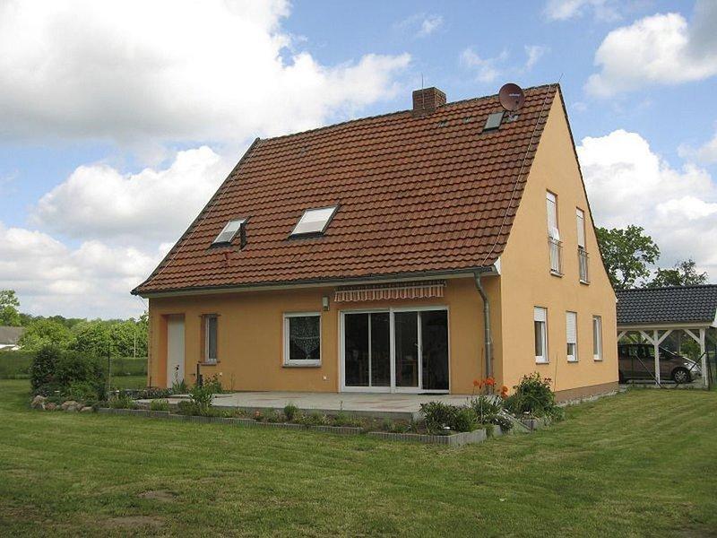 Ferienhaus für 8 Gäste mit 110m² in Behrenwalde (59124), vacation rental in Semlow