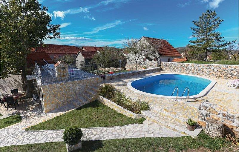 3 Zimmer Unterkunft in Tijarica, holiday rental in Cista Provo