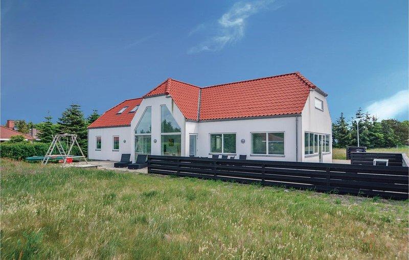 6 Zimmer Unterkunft in Blåvand, aluguéis de temporada em Blaavand