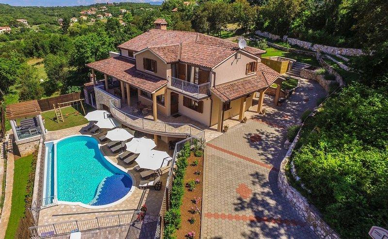 Wunderschönes Villa für Luxus-Urlaub mit einer breiten Palette von Aktivitäten, vacation rental in Rabac