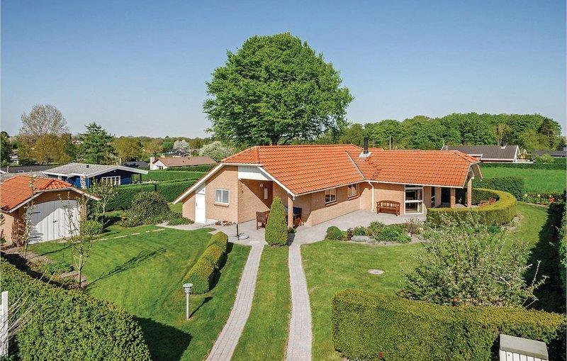 4 Zimmer Unterkunft in Hejls, location de vacances à Hejls