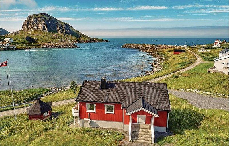 3 Zimmer Unterkunft in Straumsjøen, holiday rental in Engeloya