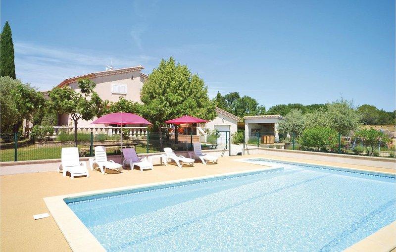 4 Zimmer Unterkunft in Montignargues, holiday rental in Sauzet