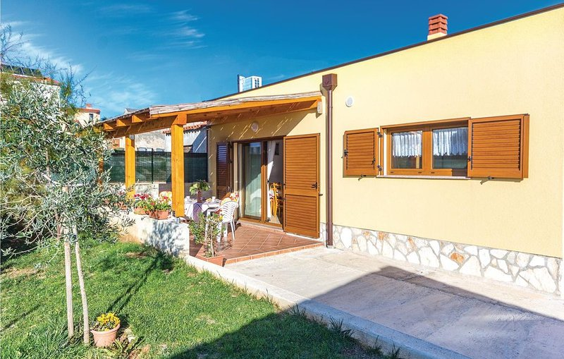 2 Zimmer Unterkunft in Liznjan, vacation rental in Liznjan