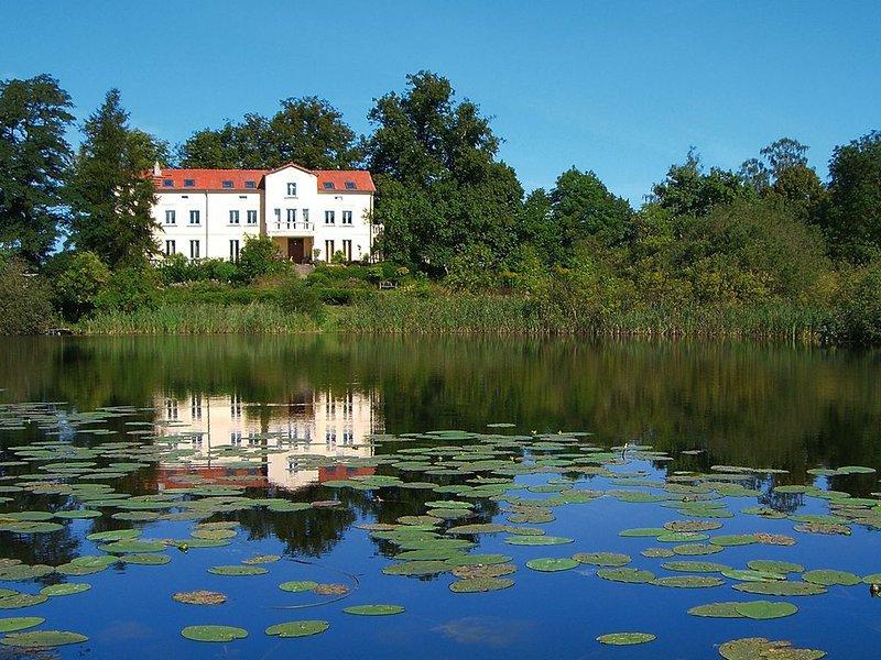 Villa am Trumpf | Appartement 'Vintage' | Direkt am See, location de vacances à Schmargendorf