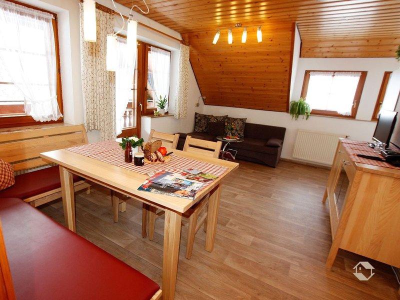 Ferienwohnung Flieder, 50qm, 2 Schlafzimmer, max. 4 Personen, vacation rental in Buchenbach