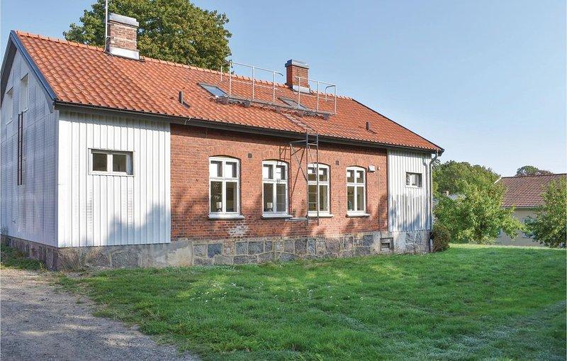 6 Zimmer Unterkunft in Tomelilla, holiday rental in Loderup