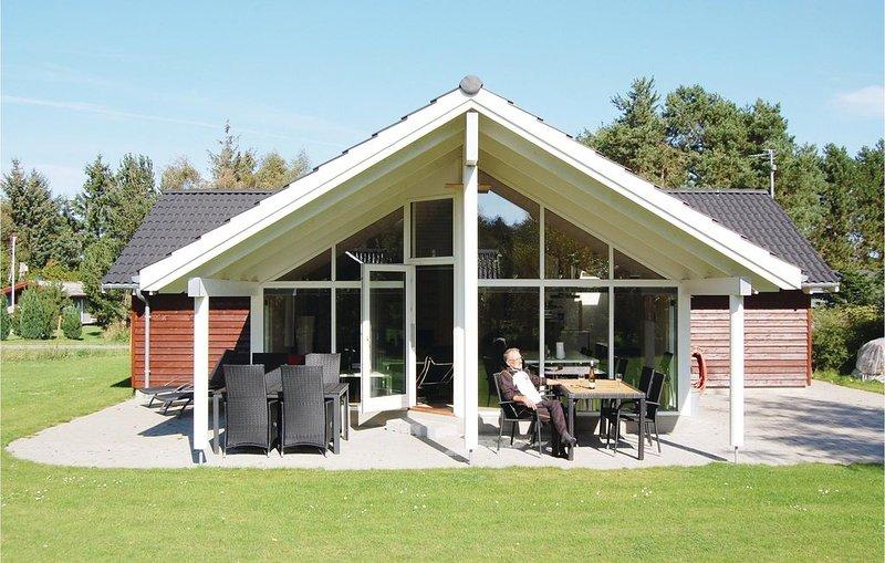 3 Zimmer Unterkunft in Rødby, holiday rental in Lolland