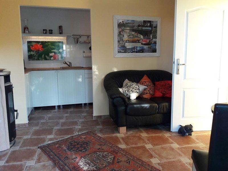 Ferienhaus für 2 Gäste mit 40m² in Berlin (93001), vacation rental in Oberkraemer