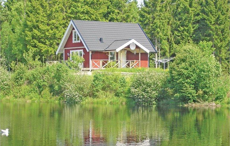 3 Zimmer Unterkunft in Långaryd, holiday rental in Lidhult