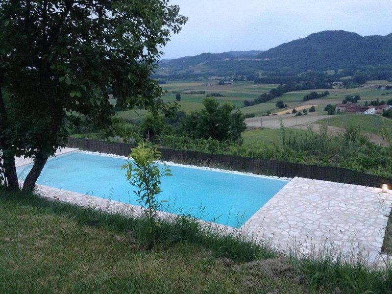 Cascina ottocentesca con piscina privata, vakantiewoning in Casale Monferrato