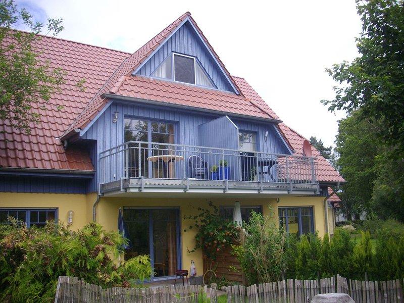 schöne FeWo in Prerow für 4 Pers., Süd-Balkon, WLAN, Fahrradschuppen, Waschm., location de vacances à Ostseebad Prerow