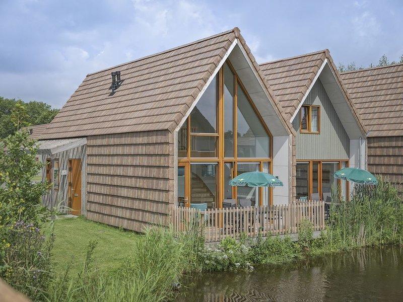 Komfort 4-Personen-Wasserhaus, Barrierefrei+ im Ferienpark Landal De Reeuwijkse – semesterbostad i Aarlanderveen
