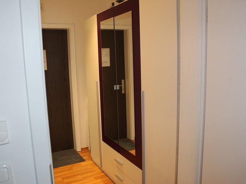 Schickes, renoviertes 35 qm Appartement für bis zu 3 Personen, vacation rental in Bogen