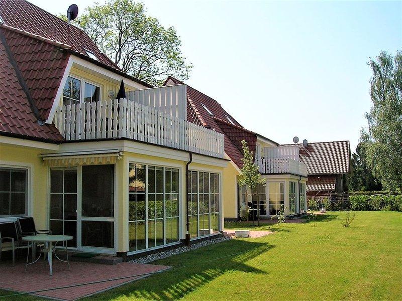 zentral gelegene FeWo für 4 Pers., S-W-Terrasse, inkl. Bettwäsche, Waschmaschine, holiday rental in Ostseebad Prerow
