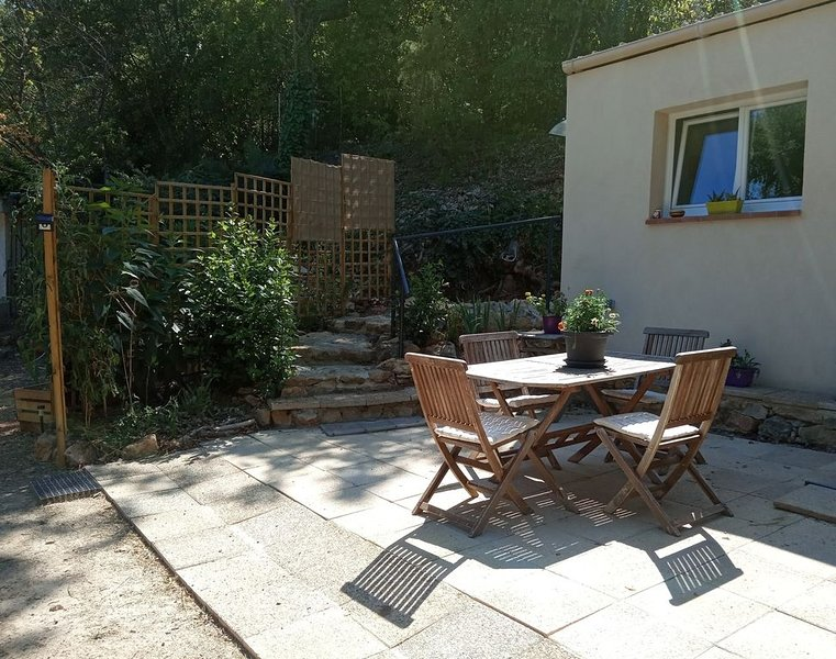 Maisonnette pleine nature Centre Var, holiday rental in Besse-sur-Issole