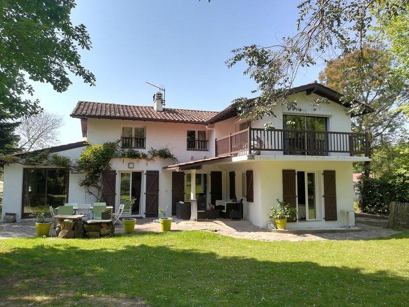 Villa Grand Calme, Vue sur la Rhune, Pleine Nature, alquiler vacacional en Sare