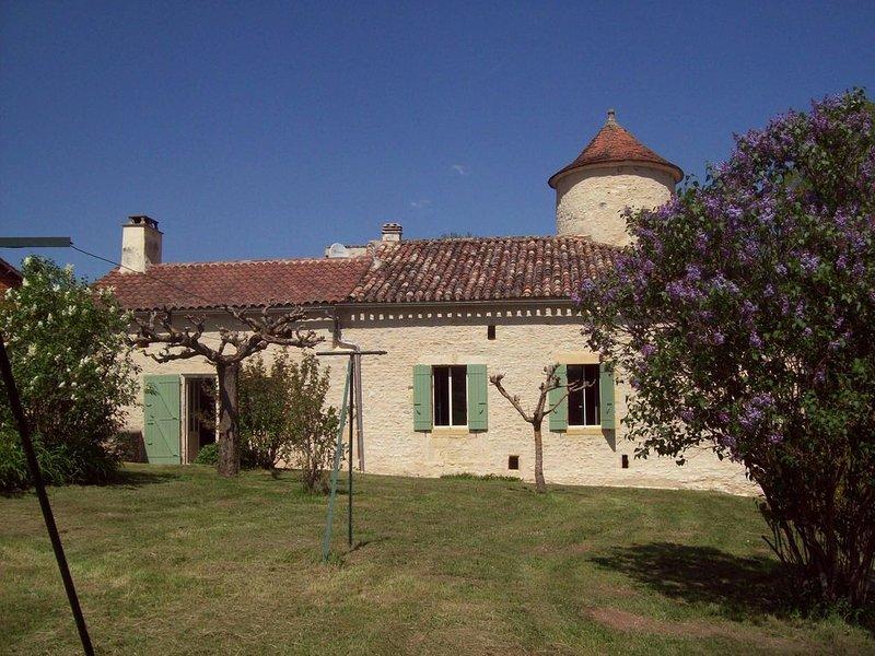 Maison de campagne récemment rénovée  Périgord noir, holiday rental in Capdrot