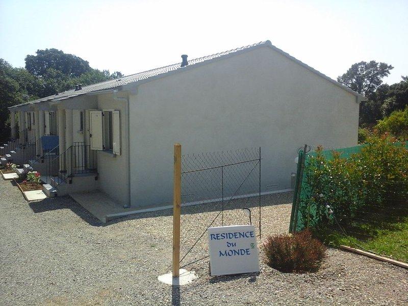 Mini-villa ASIE Neuve, tout confort, location de vacances à San-Giovanni-di-Moriani
