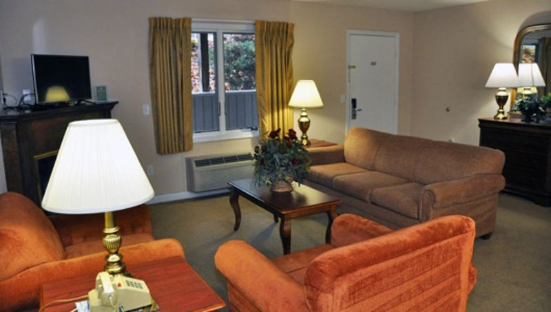 2 Bedroom Shenandoah Villas W/ Kitchen * Killy Court Massanutten Resort Sleep 10, holiday rental in Elkton