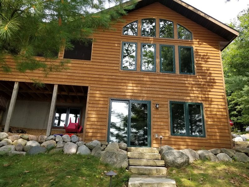 New in 2019: The Cedar Lakehouse, holiday rental in Arbor Vitae