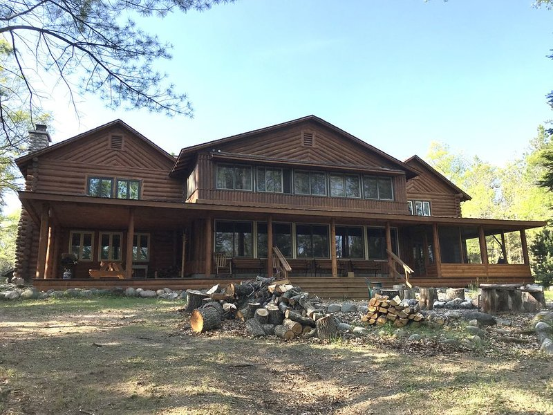 A historic lodge located on the Au Sable River in Northern Michigan, holiday rental in Crawford County