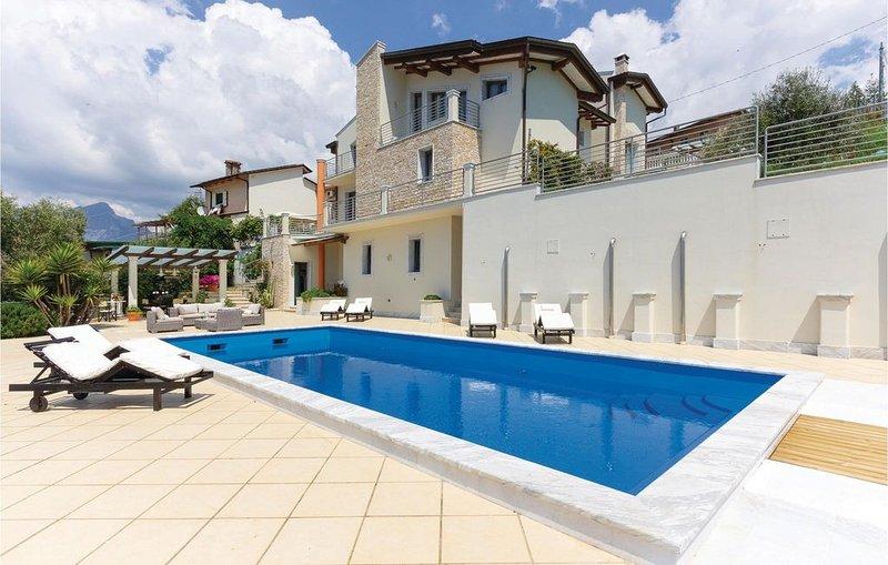 4 Zimmer Unterkunft in S.Carlo Terme Massa MS, holiday rental in Miseglia