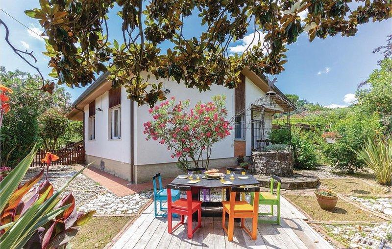 2 Zimmer Unterkunft in Massa (MS), holiday rental in Miseglia