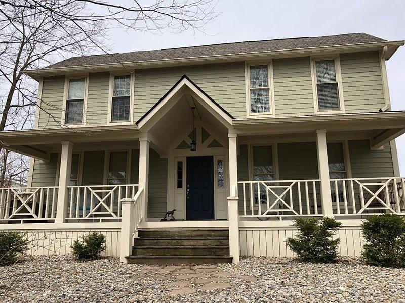 Hoffman Estates-Large Home close to Grand Park!, location de vacances à Fortville