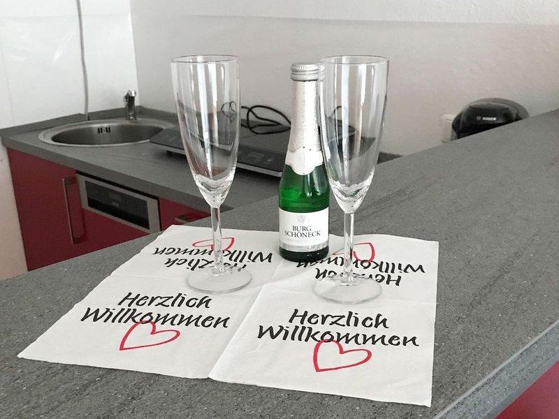 Ferienwohnung, 35qm, 1 Schlafzimmer und 1 Wohn-/Schlafzimmer mit Balkon für max., alquiler vacacional en Bad Wildbad