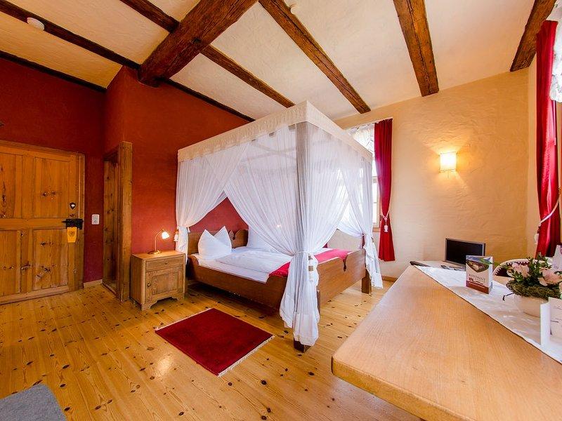 Romantisches Rittergut Positz - Romantikzimmer, holiday rental in Uhlstadt - Kirchhasel