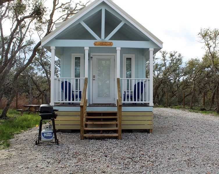 Coast Oak -Beautiful New Tiny Cottage - Perfect Family Getaway, alquiler vacacional en Aransas Pass