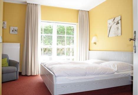 Doppelzimmer mit eigenem Badezimmer, alquiler vacacional en Sasbachwalden
