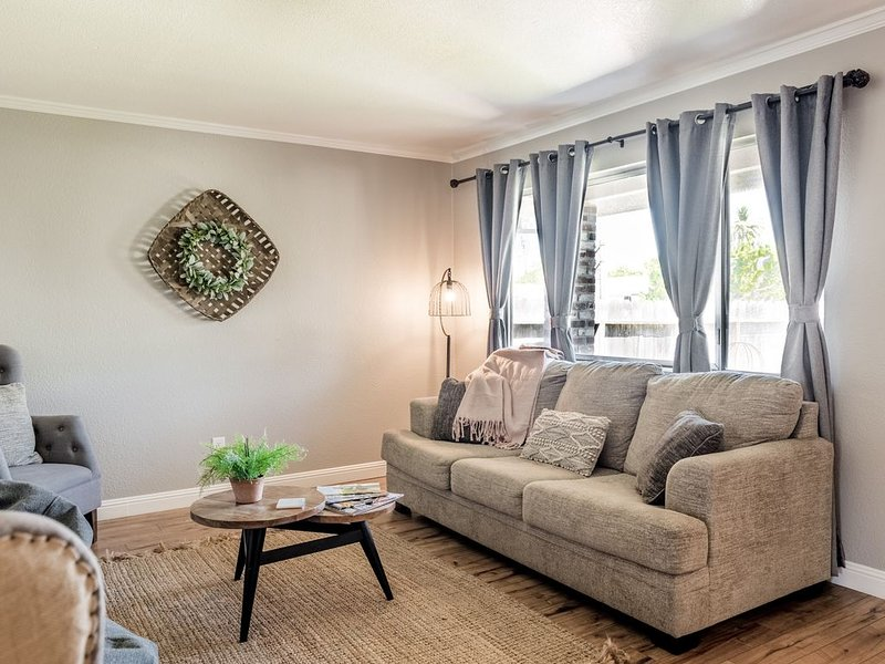 Mariposa Cottage: Central to all things Lodi, holiday rental in Lodi