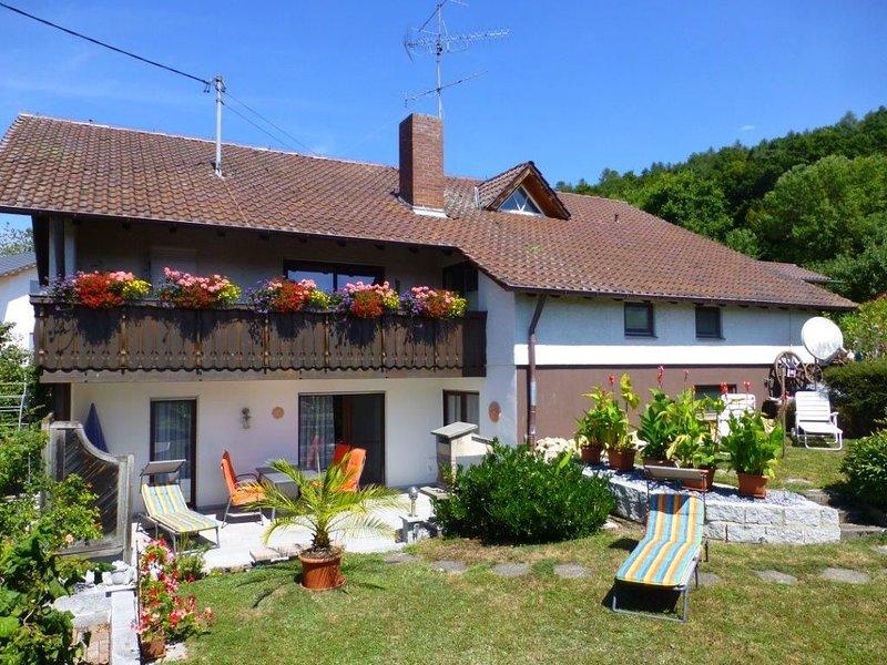 Ferienwohnung Anita, 75qm, 2 Schlafzimmer, max. 4 Personen, vacation rental in Stockach