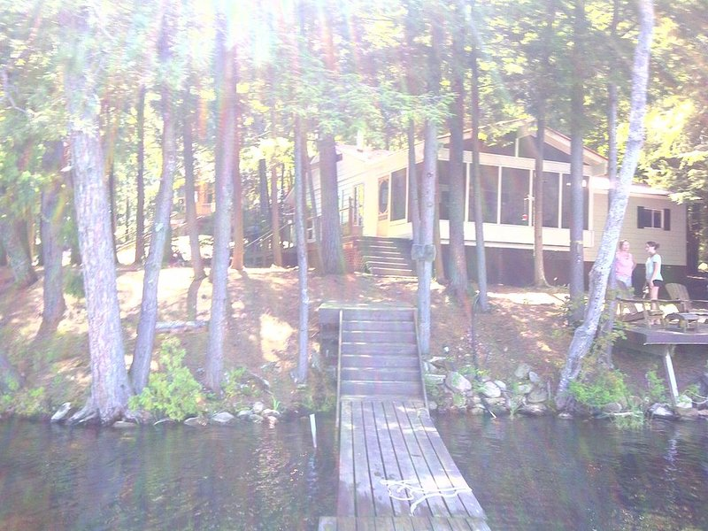 Quiet Bay on Catchacoma, vacation rental in North Kawartha