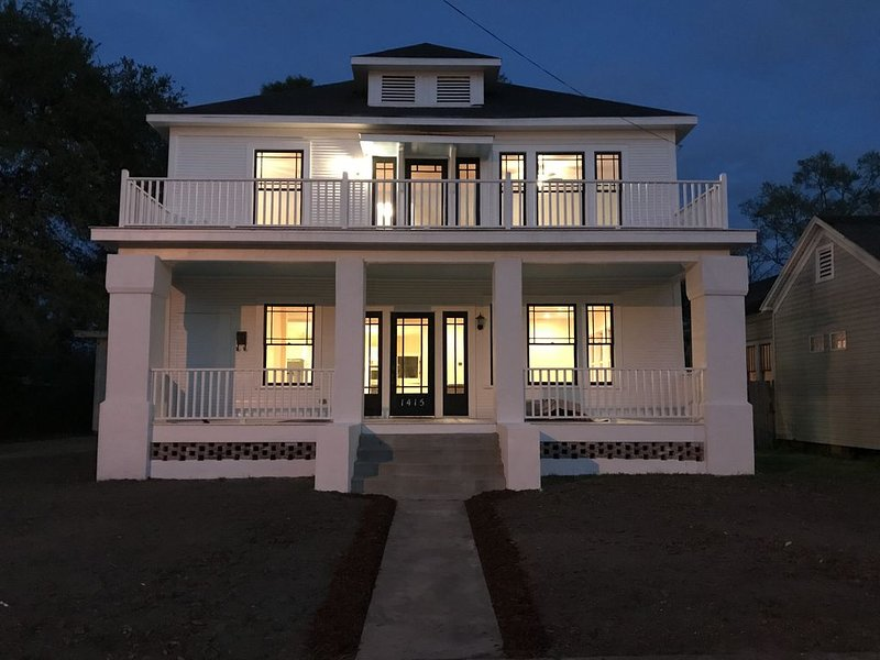 The Big White House LCLA, alquiler de vacaciones en Lake Charles