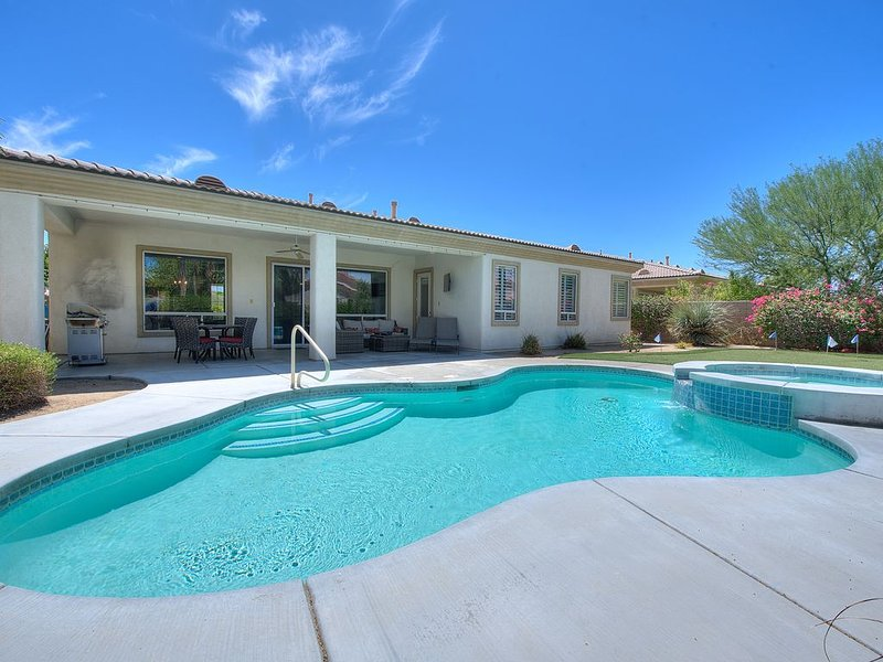 An Elegant Palm Desert Home, Great Nightly Rate!, alquiler vacacional en Palm Desert