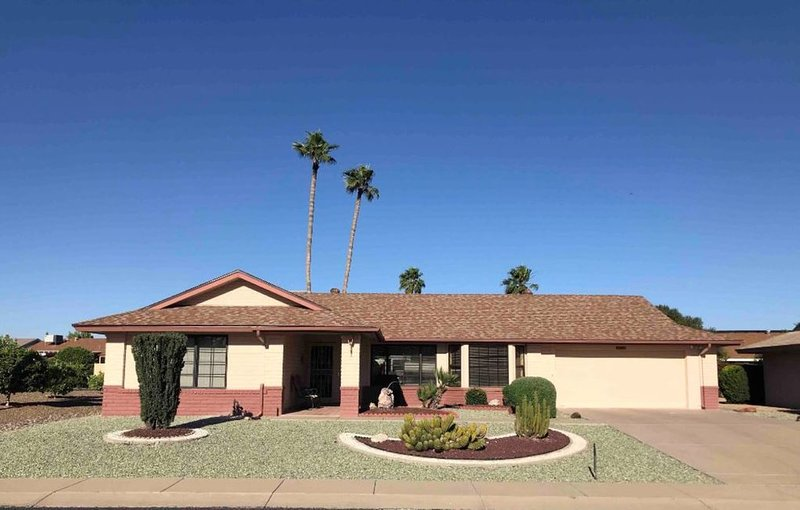 2 Palms - Cyndee House
