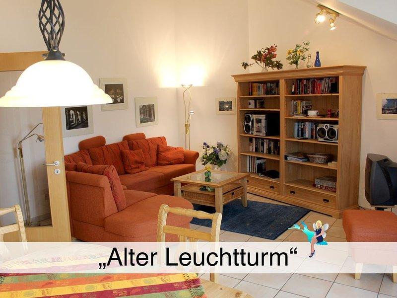 Stilvoll in Lindau, Dachgeschoß mit Balkon und tollem Blick auf See und Berge, holiday rental in Wasserburg